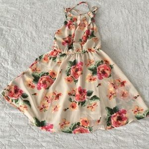 Floral flowy dress with open crisscrossing back